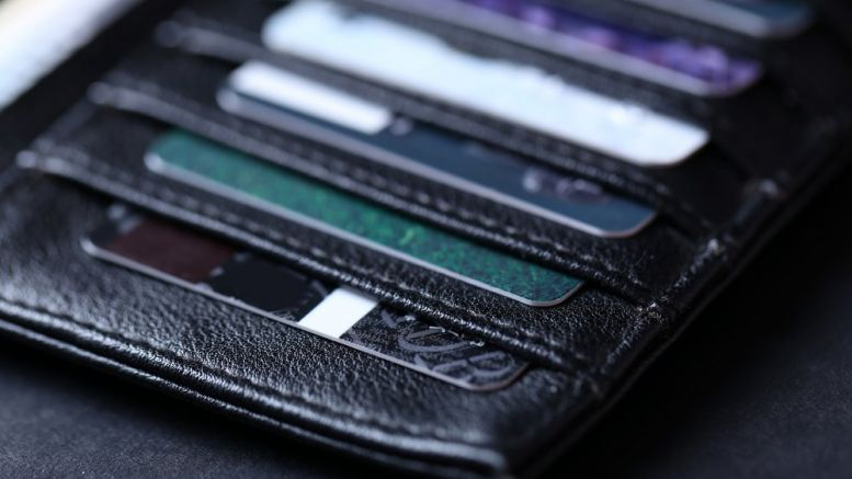 London Startup Develops Blockchain-Based Contactless Payment Card for Retail Payments