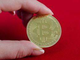 Bloomberg Report Sparks Fears of Bitcoin Curbing Measures by China; Price Drops