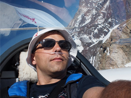 Pilot to display bitcoin logo on glider during world's first Mt. Everest flight